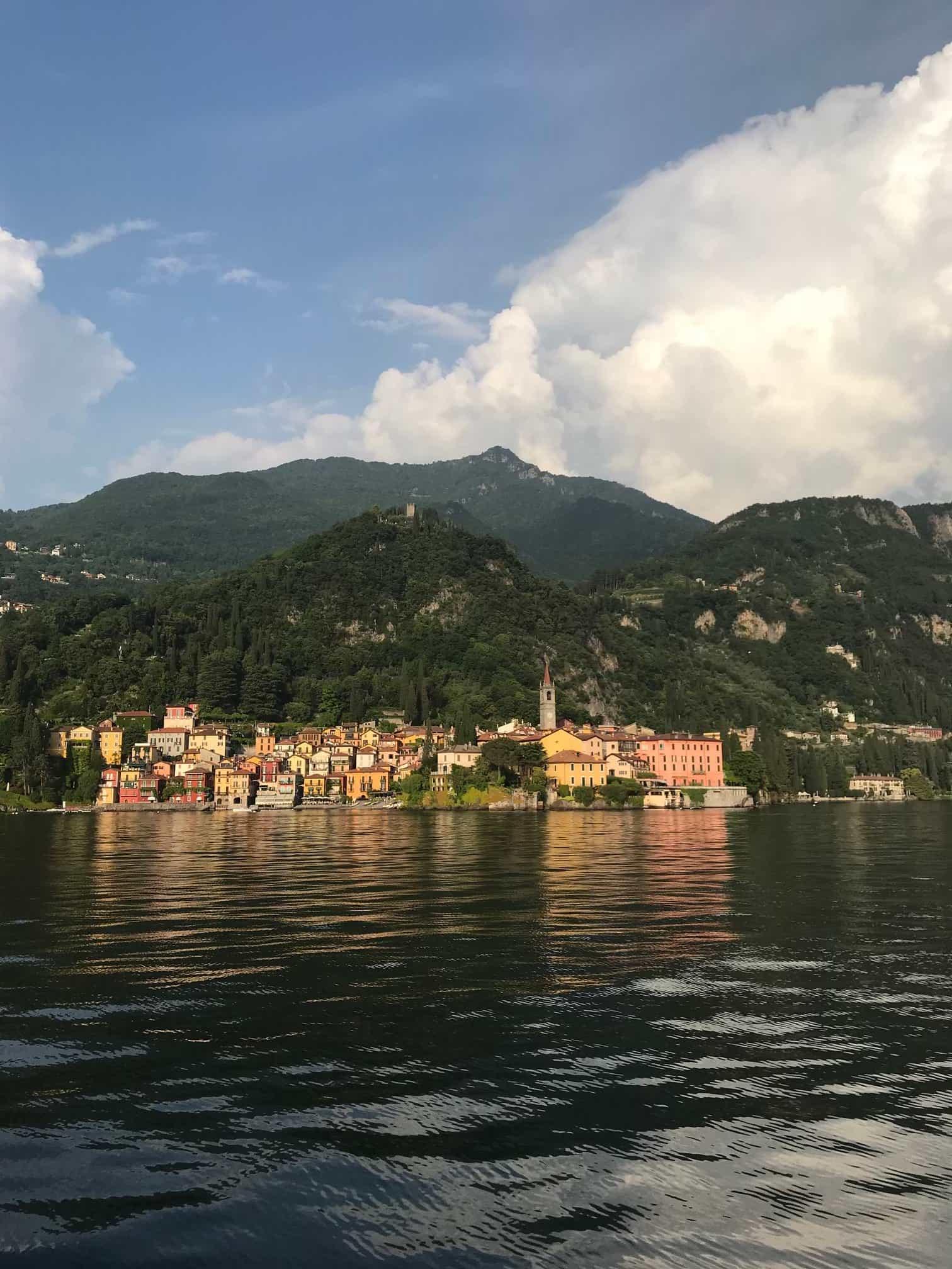 Varenna vaatamisvaarsused Pohja Itaalia Como Bellagio praam