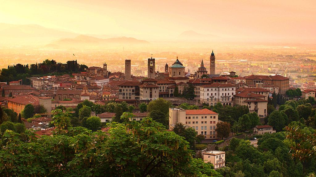 bergamo vanalinn pohja itaalia by Eric Hossinger